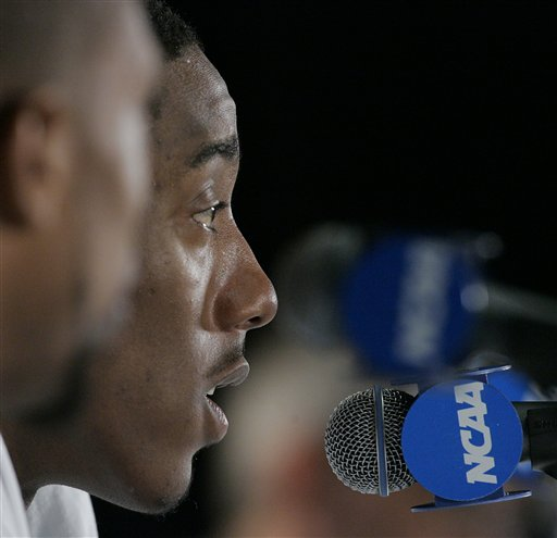 Robert  Dozier  of  Memphis  takes   questions  from  members  of  the  convened   press   during  the  team's  press conference  in Kansas City, Mo.   picture appears  courtesy  ap/photo/Orlin  Wagner  ...............
