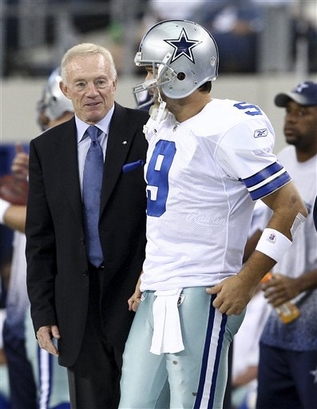 Dallas Cowboys owner Jerry Jones chats with quarterback Tony Romo (9) on the sideline during an NFL football game against the Washington Redskins, Sunday, Nov.  22, 2009, in Arlington, Texas. The Cowboys won 7-6. ap phto/Waco Tribune Herald, Jose Yau  copyrighted material @ all  rights  reserved  ..............
