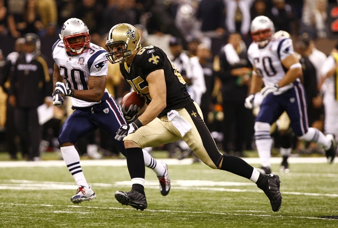 New Orleans-November 30th ,2009. David Thomas (85) of the New Orleans Saints runs for yards after the catch the New England Patriots at Louisana Superdome on November 30, 2009 in New Orleans, Louisiana. The Saints won 38-17. picture appears courtesy of Getty Images/ Scott Halleran ........