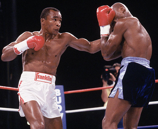 Hagler  looks to defend  himself against  'Sugar' Ray  Leonard  in  their  world  middleweight  title  fight  held  at  Caesars Palace ,  Las  Vegas  , Nevada,.   Leonard  would  dethrone  Hagler  in a  controversial  split  decision  after   twelve  rounds  of championship   boxing.   picture  appears  courtesy  of  getty  images/  Dennis  Mitrone'  ...........