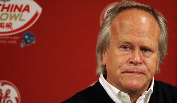 Dick Ebersol ,  <strong>  Chairman of  NBC Sports </strong> and whose  task it   will  be  to  oversee  the  network's   coverage  of  the  upcoming   Winter Olympics  taking place in  Vancouver, BC .   Ebersol   has been described  as  one of  the  100  Most  Influential   People  in  Sports.   photo  appears  courtesy  of  Asoociated Press/  Michael  Wright .............