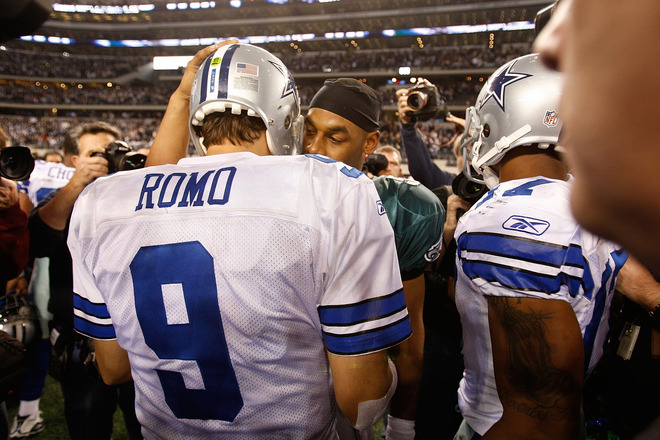 Arlington , Tx,. Quarterback Tony Romo (#9) of the Dallas Cowboys greets Donovan McNabb (#5) of the Philadelphia Eagles after a 34-14 win during the 2010 NFC wild-card playoff game at Cowboys Stadium on January 9, 2010 in Arlington, Texas.  picture appears  courtesy of  Getty Images/ Ronald  Martinez .................