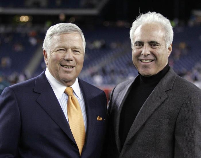 Eagles'  President & CEO and  majority  stake owner  in  the  Philadelphia   Eagles,  Jeffrey Lurie (right)  seen  here   with New  England Patriots'  owner   Robert Kraft.    picture  appears  courtesy  of  ap/photo/  Matthew  Hollings  ..................