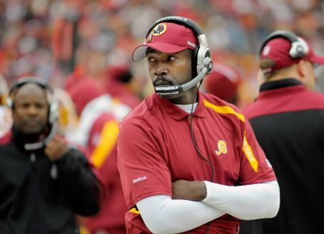 Jerry Gray, secondary's and  assistant  defensive  coordinat  of   the   Washington  Redskins