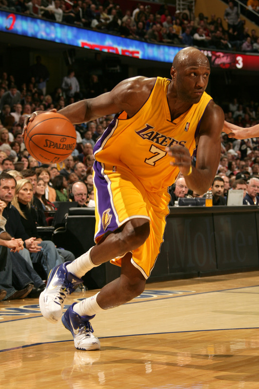 Lamar Odom (#7) of the Los Angeles Lakers drives to the basket against the Cleveland Cavaliers on January 21, 2010 at The Quicken Loans Arena in Cleveland, Ohio. photo appears courtesy  of NBAE/Getty Images/  David  Liam  ..........
