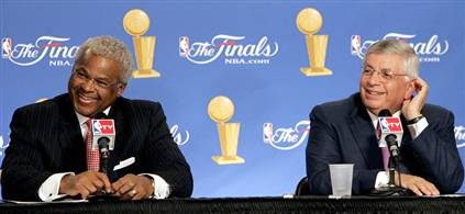 <strong>NBPA Executive  Director<em>   Billy  Hunter </em>  seated  left   alongside  NBA  Commissioner <em> David  Stern</strong></em>.   At  present the  two  men  are   in  a  very   contentious   negotiation   scenario  with  regard  to   the  league's   collective   bargaining  agreement.     photo  appears   courtesy  of <strong>  NBAE/Getty  Images/</strong>   Andrew  D  Bernstein  ..............