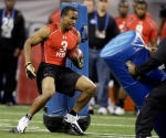 California's Jahvid Best (3) runs a drill at the NFL football scouting combine in Indianapolis, Sunday, Feb. 28, 2010.