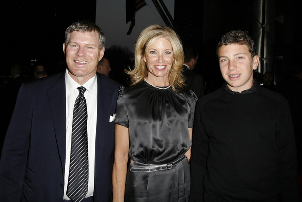 Lenny   Dykstra  with his ex-wife Terri and son  Cutter  ,  seen  here  attending  the  launch  of   The  Players  Club  Magazine  in  early   2008.   photo appears courtesy  of   Getty Images/  Amy Sussman  ...............