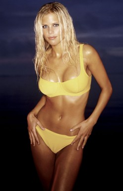 Elin Nordergren , the soon to be ex-wife of golfer Tiger Woods. Who says that having an Ivy League education makes you intelligent ? Obviously a Stanford Cardinal like Woods makes a complete mockery of statement. Cabal Asian or not Woods is a dumb ass for giving up on something like this for ho's and porn stars ! Nordergren comes at #100 on FHM's list for 2010. .........