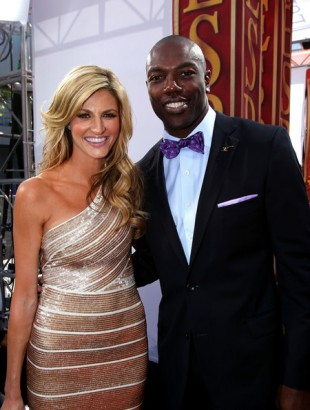 NFL wide receiver Terrell Owens poses with Erin Andrews during arrivals for the 2010 ESPY Awards at Nokia Theatre L.A. Live on July 14, 2010 in Los Angeles, California. Alexandra Wyman/Getty Images North America