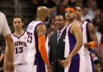Head coach Alvin Gentry of the Phoenix Suns talks with Steve Nash (12), Vince Carter (25), Goran Dragic (2) and Channing Frye (8) during the NBA game against the New York Knicks at US Airways Center on January 7, 2011 in Phoenix, Arizona. The Knicks defeated the Suns 121-96 . Photo by Christian Petersen/Getty Images ....
